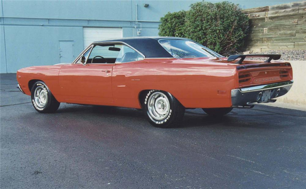 1970 PLYMOUTH ROAD RUNNER 2 DOOR HARDTOP - Rear 3/4 - 44405