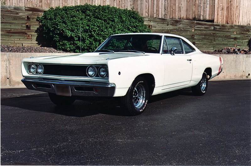 1968 PLYMOUTH SUPER BEE 2 DOOR COUPE - Front 3/4 - 44408