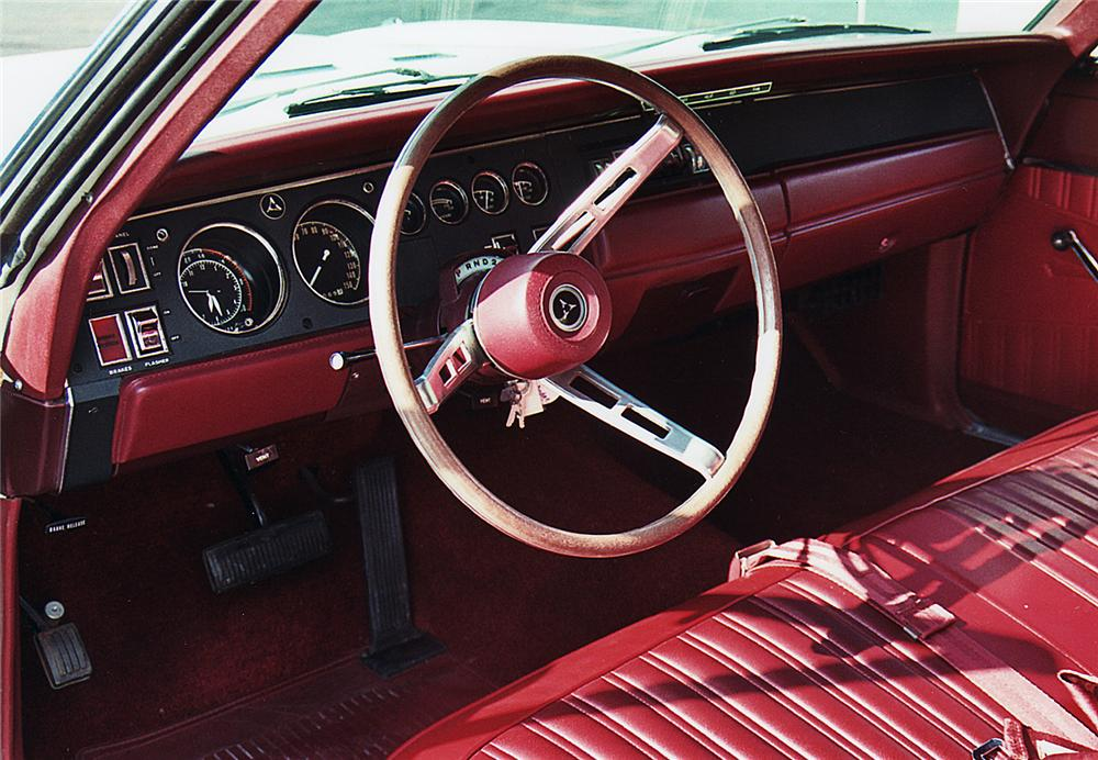 1968 PLYMOUTH SUPER BEE 2 DOOR COUPE - Interior - 44408
