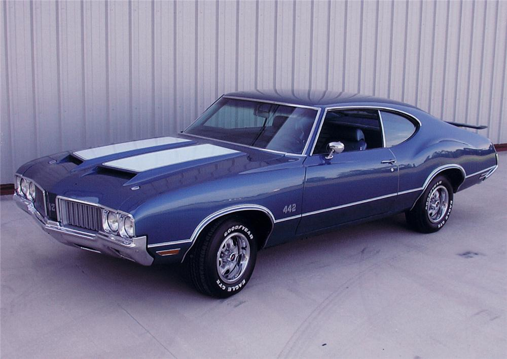 1970 OLDSMOBILE CUTLASS 442 2 DOOR HOLIDAY COUPE - Front 3/4 - 44433