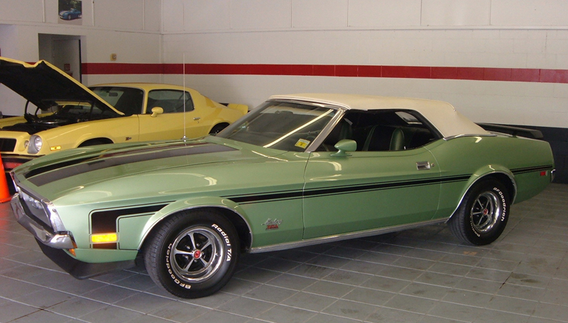1971 FORD MUSTANG CUSTOM CONVERTIBLE - Side Profile - 44439