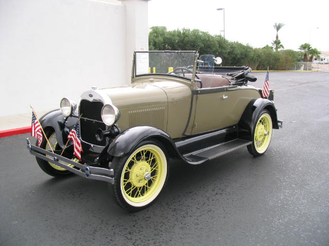 1928 FORD MODEL A 2 DOOR ROADSTER - Front 3/4 - 44483