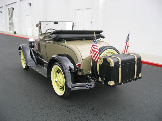 1928 FORD MODEL A 2 DOOR ROADSTER - Rear 3/4 - 44483