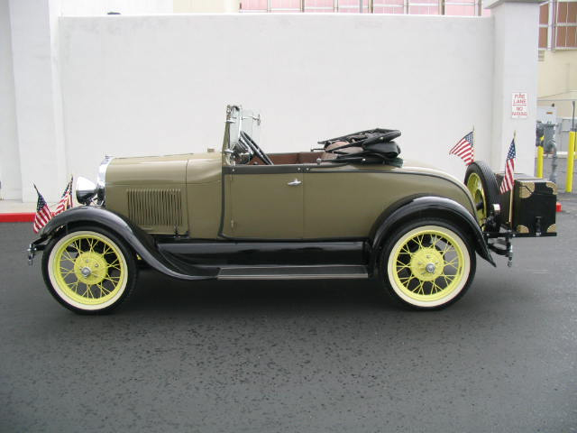 1928 FORD MODEL A 2 DOOR ROADSTER - Side Profile - 44483