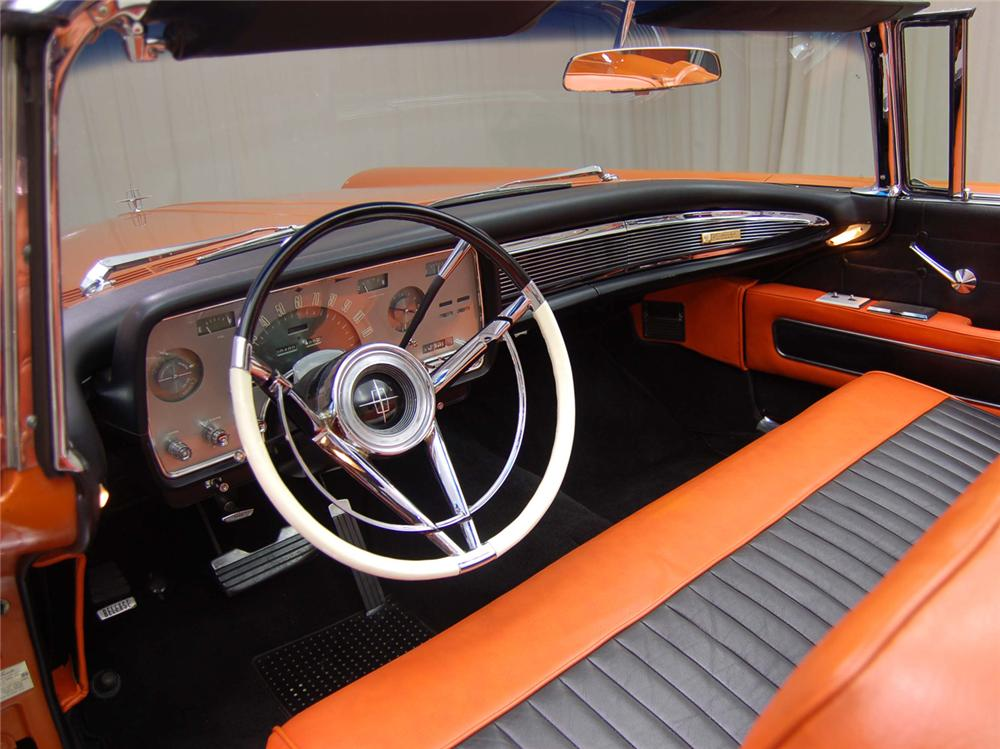 1958 LINCOLN CONTINENTAL CONVERTIBLE - Interior - 44552