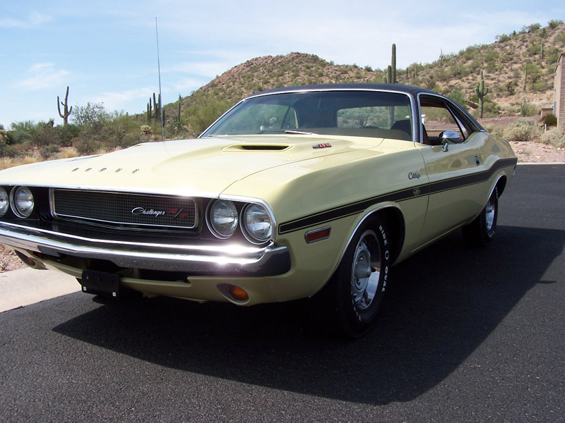 1970 DODGE CHALLENGER R/T COUPE - Front 3/4 - 44571