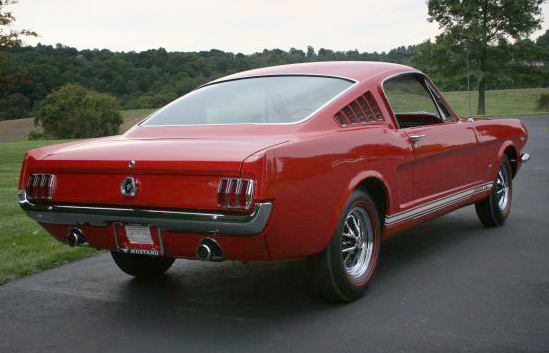 1965 FORD MUSTANG GT FASTBACK - Rear 3/4 - 44593