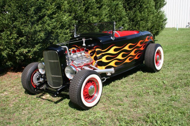 1932 FORD ROADSTER CUSTOM HI-BOY ROADSTER - Front 3/4 - 44594