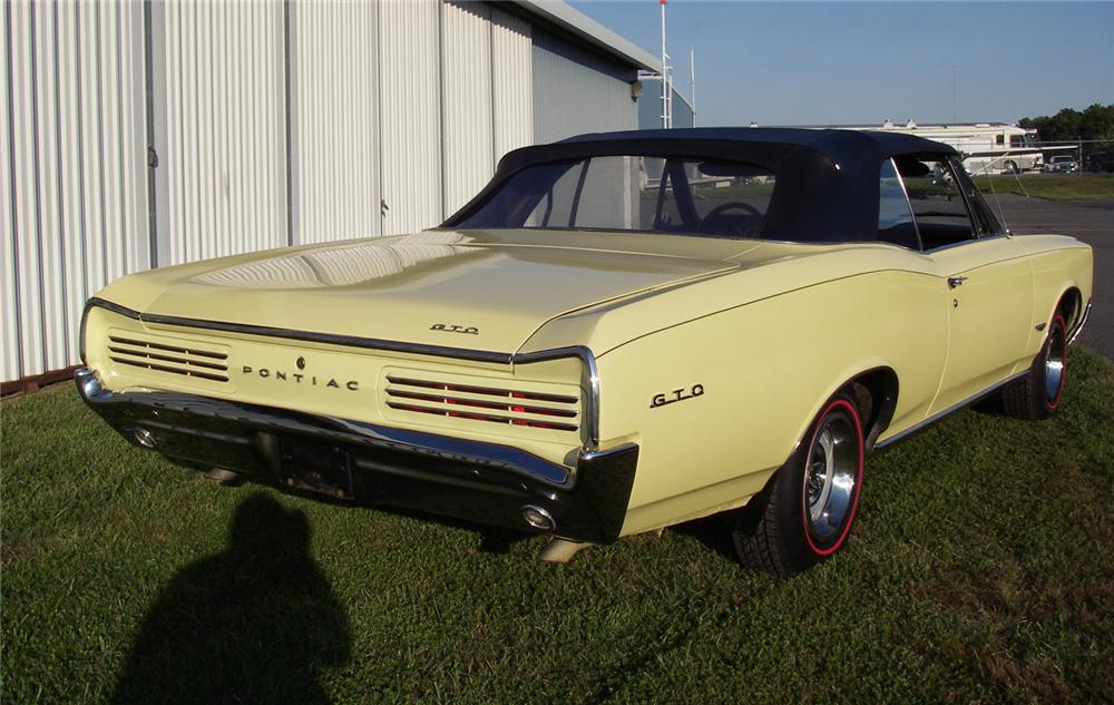 1966 PONTIAC GTO CONVERTIBLE - Rear 3/4 - 44611