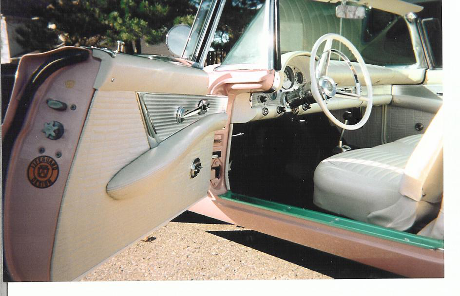1957 FORD THUNDERBIRD CONVERTIBLE - Interior - 44658