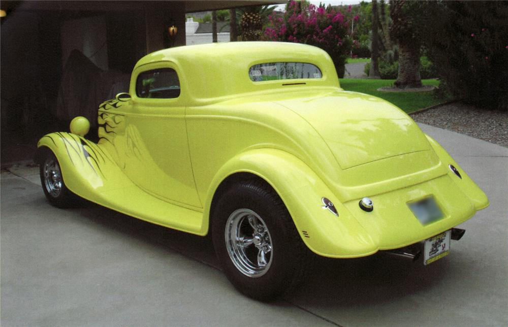1934 FORD CUSTOM COUPE - Rear 3/4 - 44679