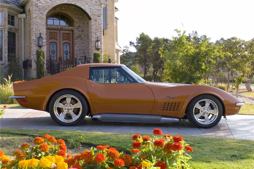 1972 CHEVROLET CORVETTE CUSTOM COUPE - Front 3/4 - 44696