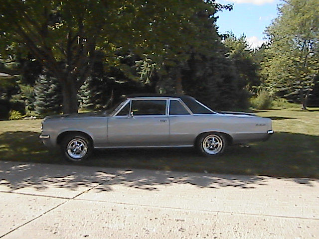1964 PONTIAC GTO COUPE - Side Profile - 44698