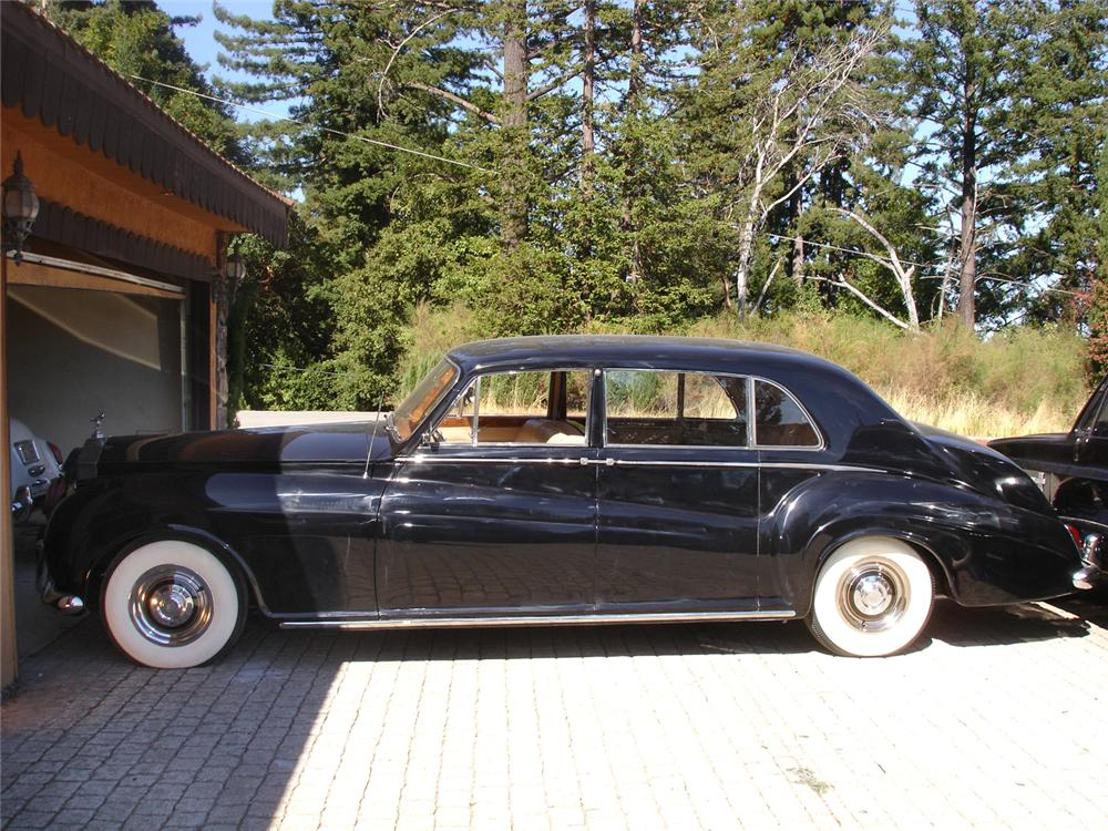 1960 ROLLS-ROYCE PHANTOM V LIMO - Side Profile - 44829