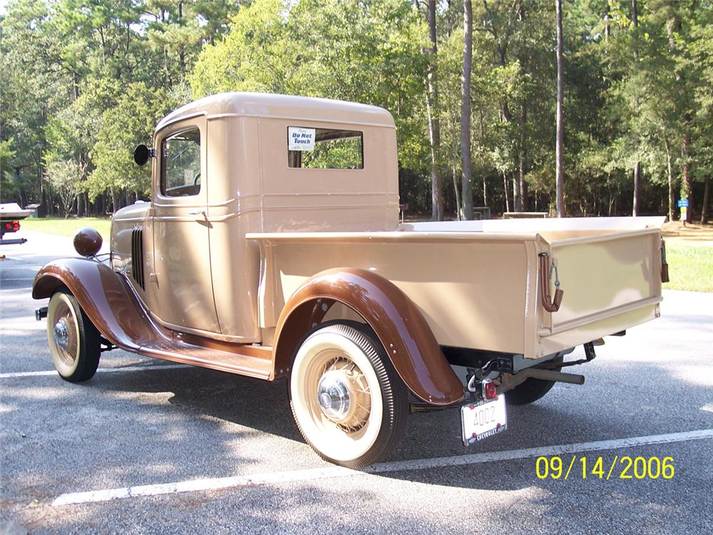 1934 CHEVROLET SHORT BED PICKUP - Rear 3/4 - 44834