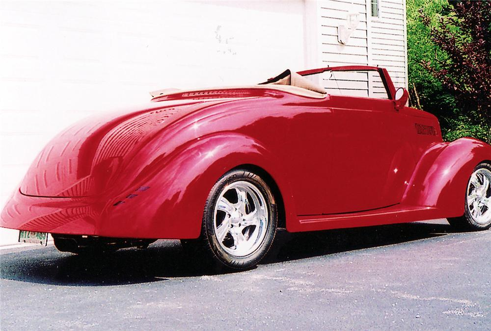 1937 FORD CUSTOM ROADSTER - Rear 3/4 - 44857