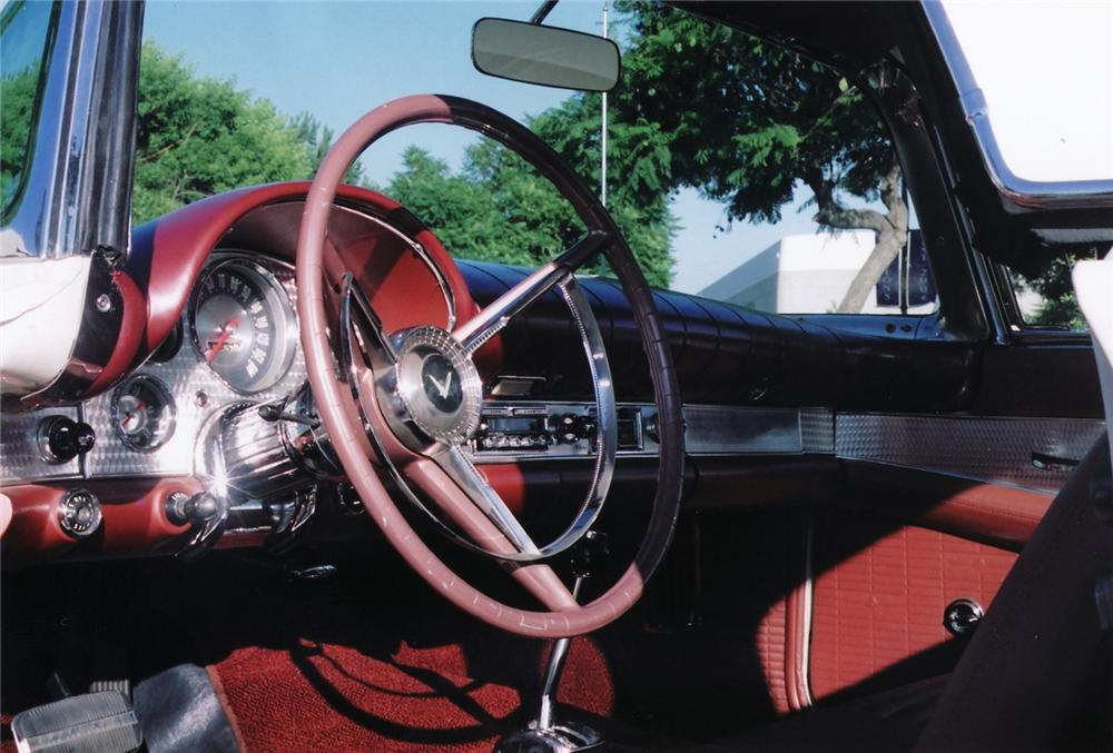 1957 FORD THUNDERBIRD CONVERTIBLE - Interior - 44903