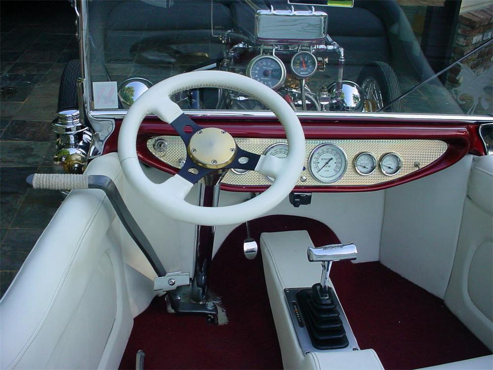 1923 FORD T-BUCKET CUSTOM ROADSTER - Interior - 45057