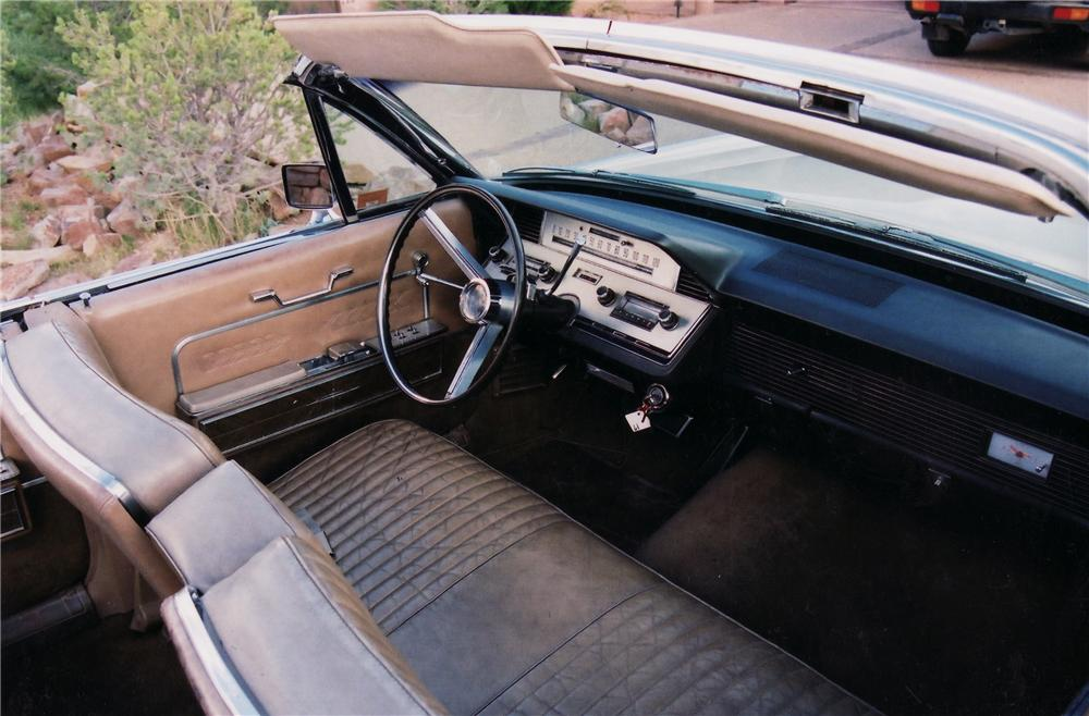 1966 LINCOLN CONTINENTAL CONVERTIBLE - Interior - 45120
