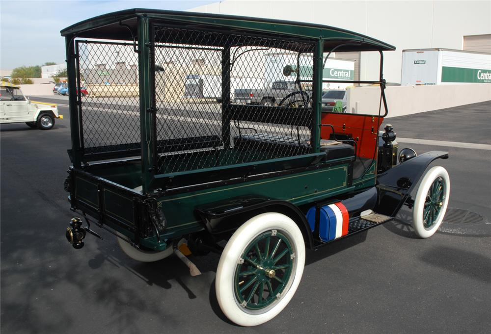 1915 FORD MARTIN-PERRY BODIED T DELIVERY - Rear 3/4 - 45250