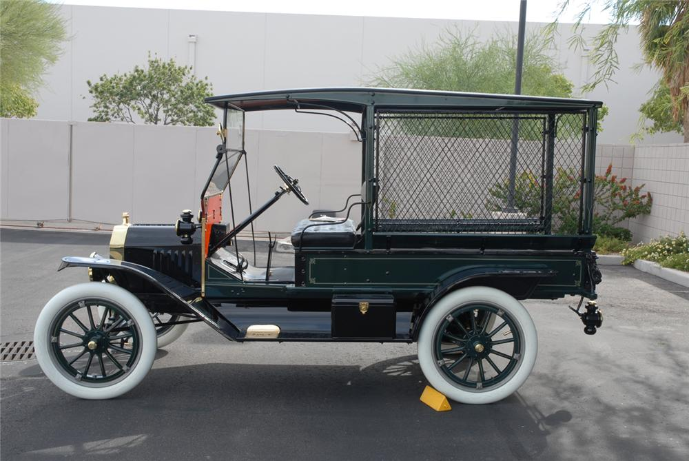 1915 FORD MARTIN-PERRY BODIED T DELIVERY - Side Profile - 45250