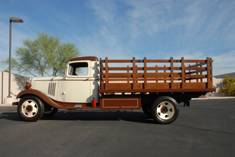 1934 CHEVROLET 1 1/2 TON STAKE TRUCK - Side Profile - 45253