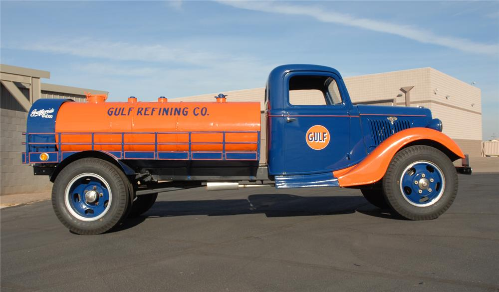 1935 FORD GOLF OIL 2 TON TANKER TRUCK - Side Profile - 45254