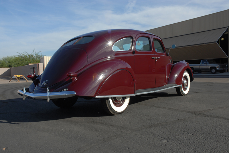 1937 LINCOLN ZEPHYR 4 DOOR SEDAN - Rear 3/4 - 45256