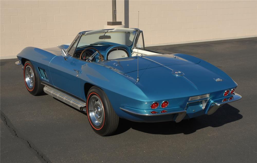 1967 CHEVROLET CORVETTE CONVERTIBLE - Rear 3/4 - 45275