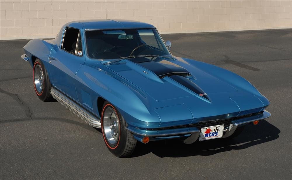 1967 CHEVROLET CORVETTE COUPE - Front 3/4 - 45276