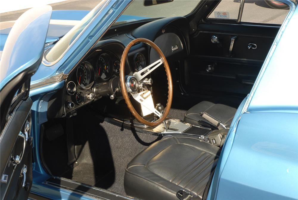 1967 CHEVROLET CORVETTE COUPE - Interior - 45276