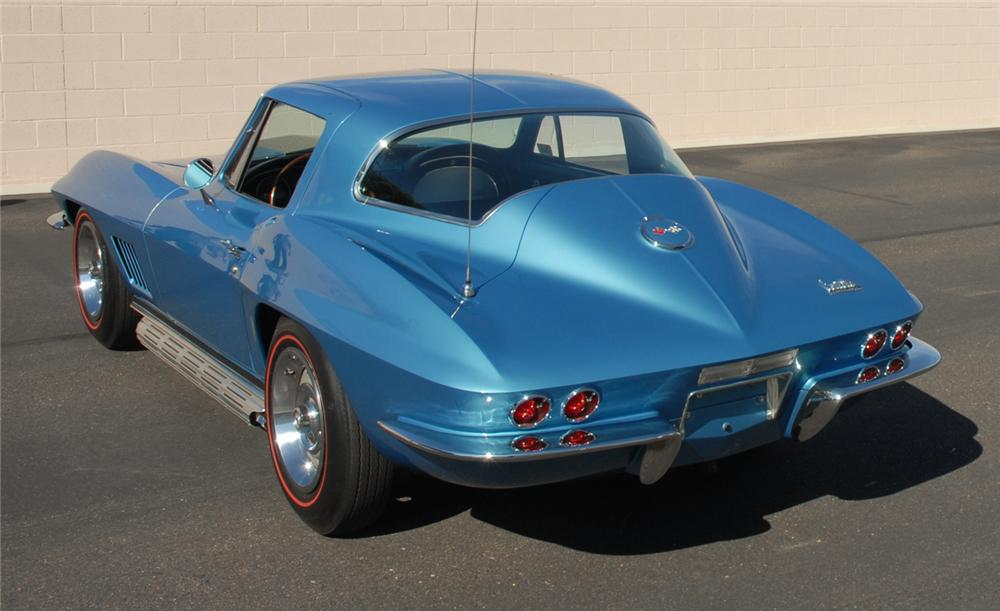 1967 CHEVROLET CORVETTE COUPE - Rear 3/4 - 45276