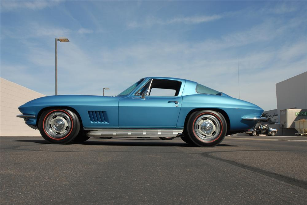 1967 CHEVROLET CORVETTE COUPE - Side Profile - 45276