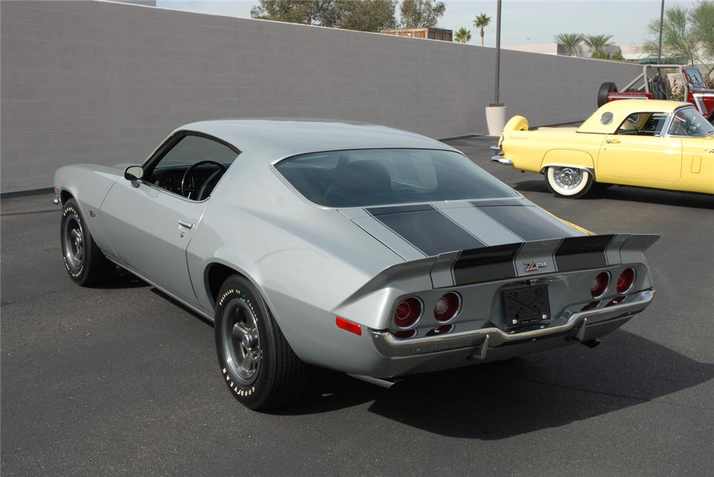 1971 CHEVROLET CAMARO Z/28 COUPE - Rear 3/4 - 45286