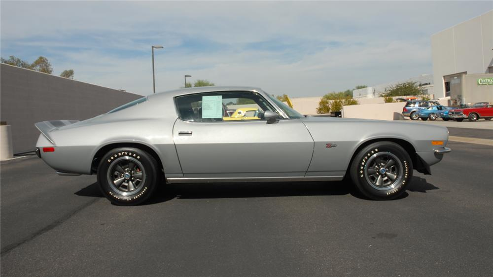 1971 CHEVROLET CAMARO Z/28 COUPE - Side Profile - 45286