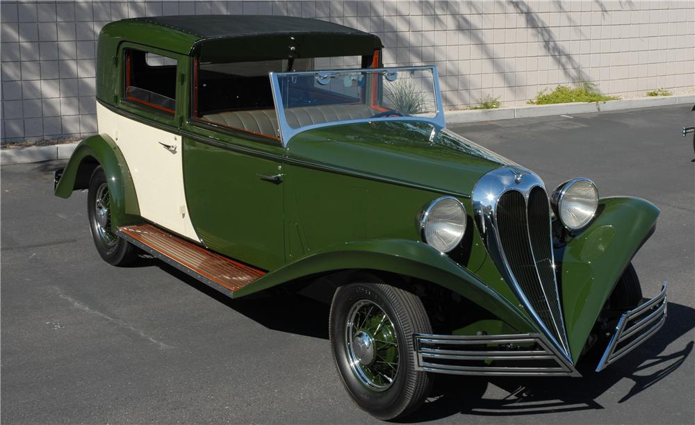 1934 FORD BREWSTER TOWNCAR - Front 3/4 - 45287
