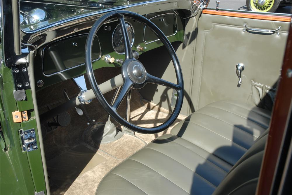1934 FORD BREWSTER TOWNCAR - Interior - 45287
