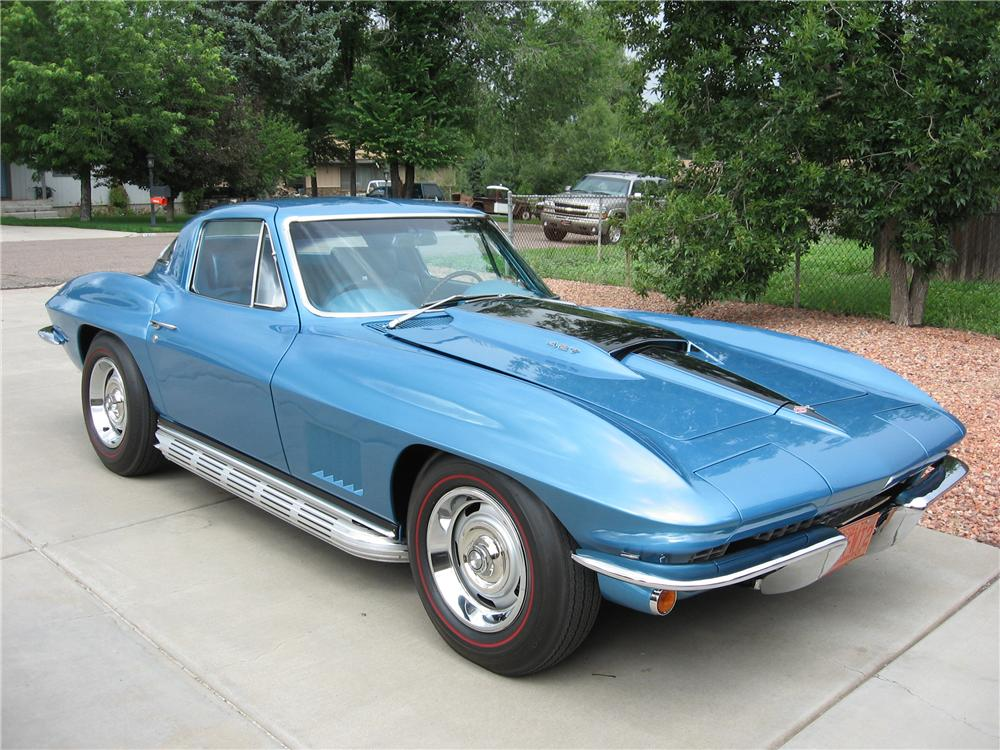 1967 CHEVROLET CORVETTE COUPE - Front 3/4 - 45314