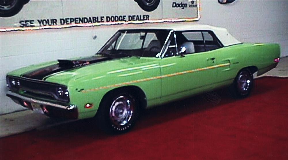1970 PLYMOUTH ROAD RUNNER CONVERTIBLE - Front 3/4 - 45320