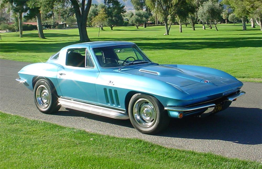 1966 CHEVROLET CORVETTE COUPE - Front 3/4 - 45365