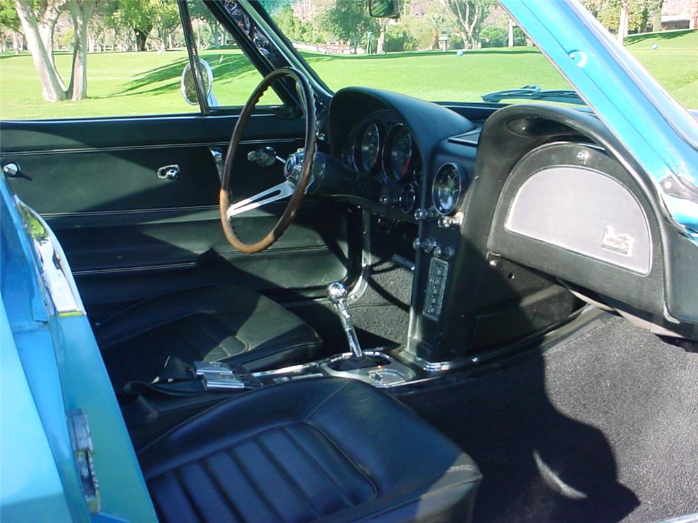 1966 CHEVROLET CORVETTE COUPE - Interior - 45365