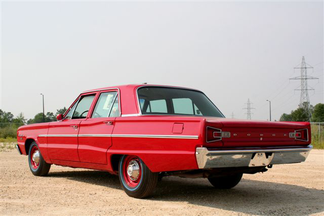1966 DODGE HEMI CORONET DELUXE 4 DOOR - Rear 3/4 - 45419