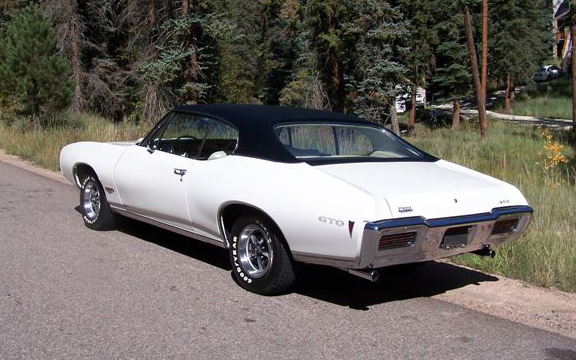 1968 PONTIAC GTO 2 DOOR HARDTOP - Rear 3/4 - 45433