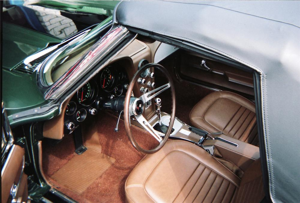 1967 CHEVROLET CORVETTE CONVERTIBLE - Interior - 45471