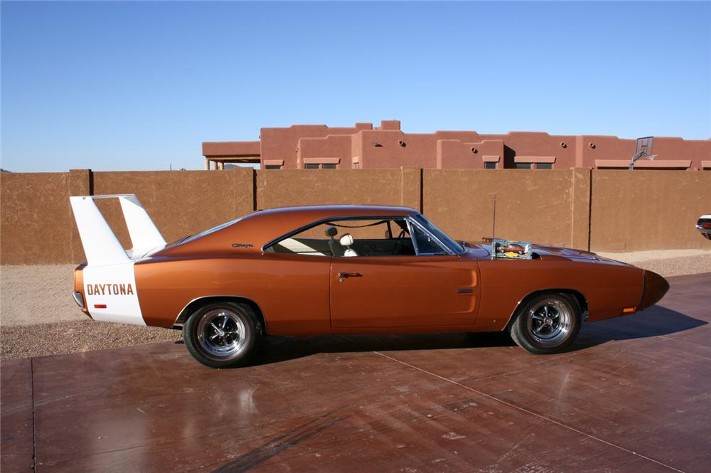 1969 DODGE HEMI DAYTONA COUPE - Interior - 45885