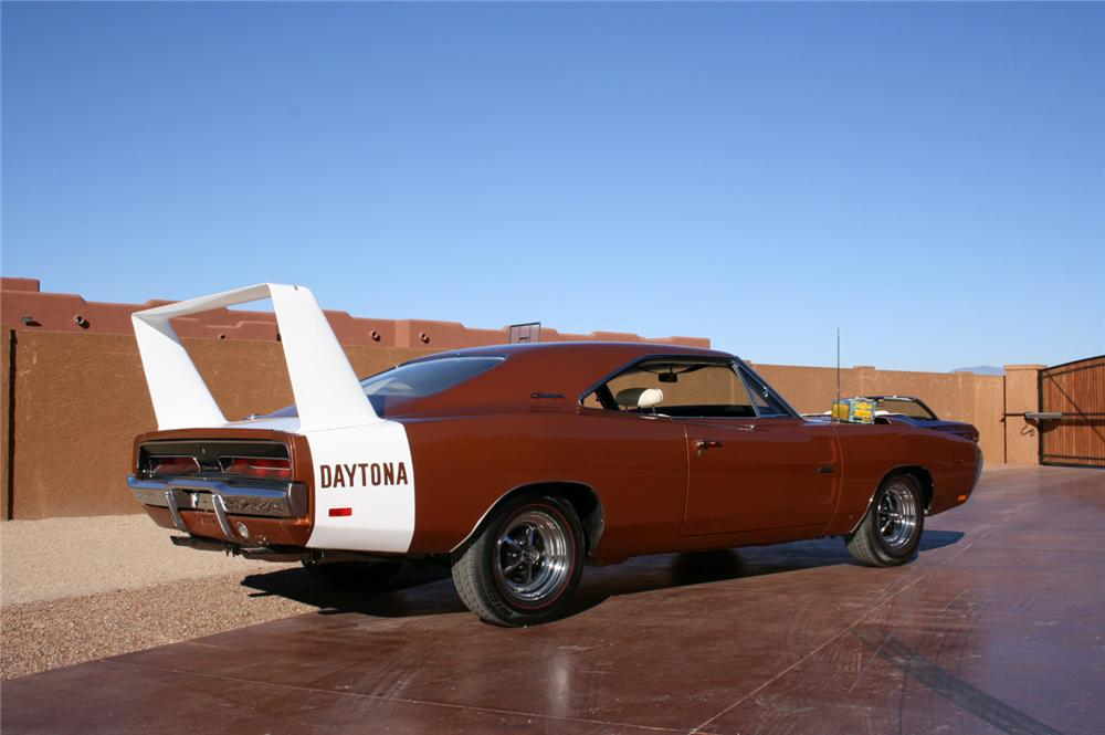 1969 DODGE HEMI DAYTONA COUPE - Rear 3/4 - 45885