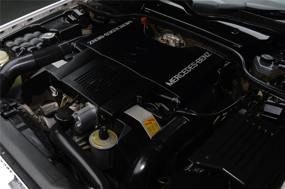 1991 MERCEDES-BENZ 500SL CONVERTIBLE - Engine - 47833