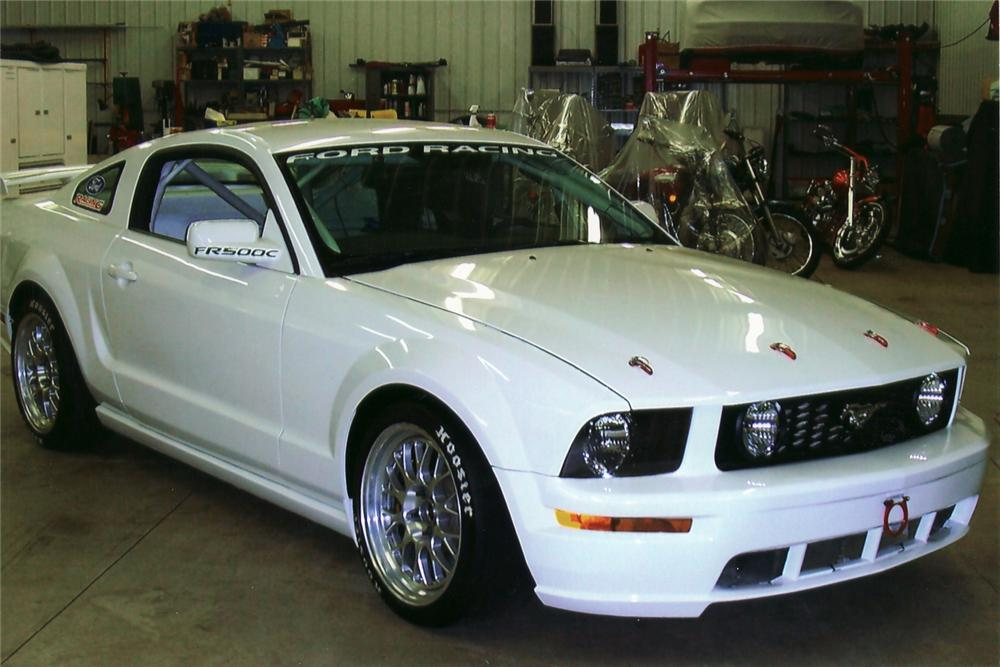 2005 FORD MUSTANG FR 500C RACE CAR - Front 3/4 - 48925