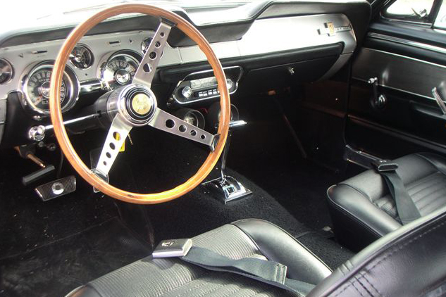 1967 SHELBY GT500 FASTBACK - Interior - 48926
