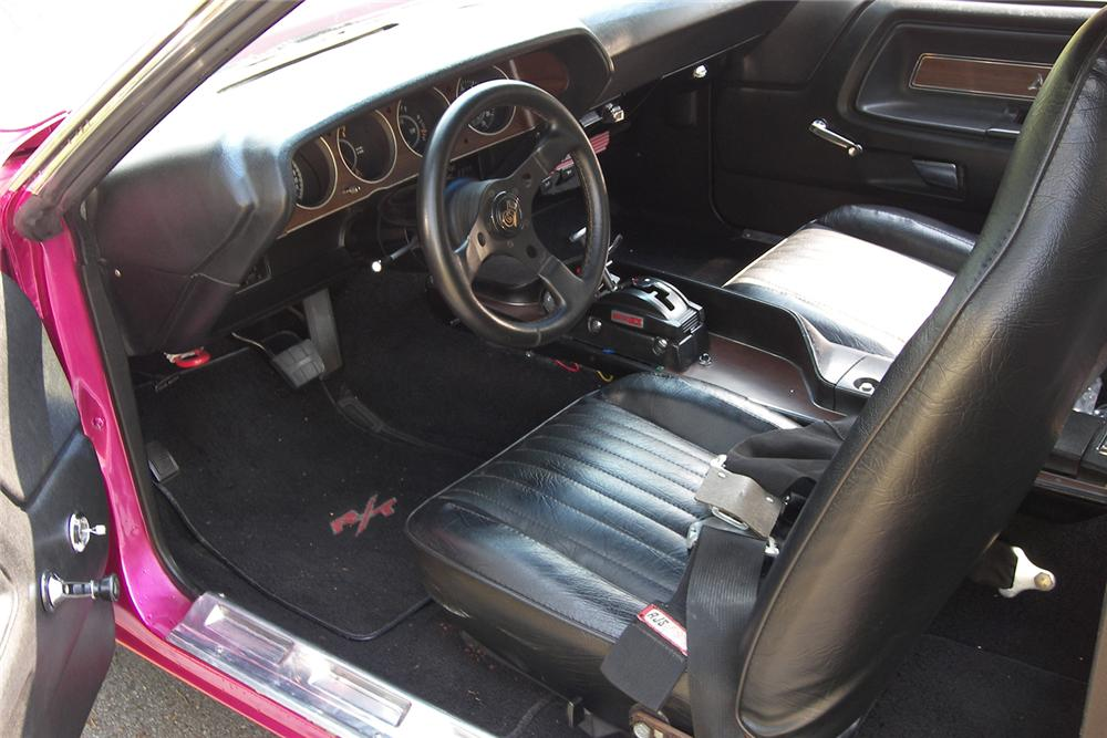 1970 DODGE CHALLENGER R/T CUSTOM 2 DOOR HARDTOP - Interior - 48927